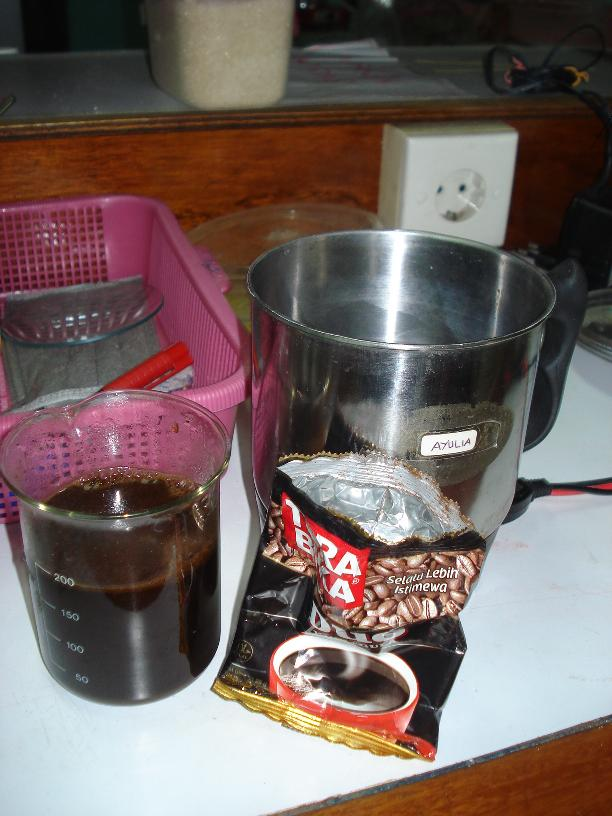 kopi dalam erlenmeyer